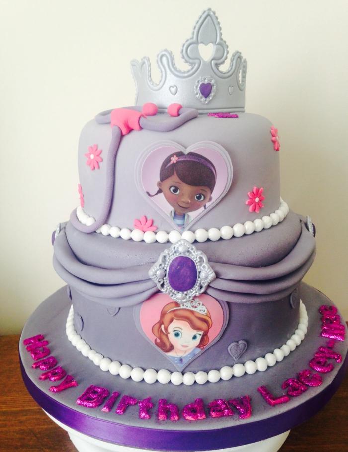 Le gateau princesse le chateau princesse étage gateau chateau délicieux Disney