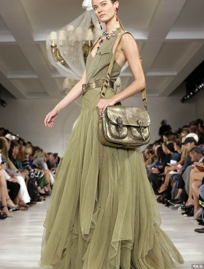 Vetement saharienne jupe chemise robe saharienne beige mode robe vert militaire cool idée