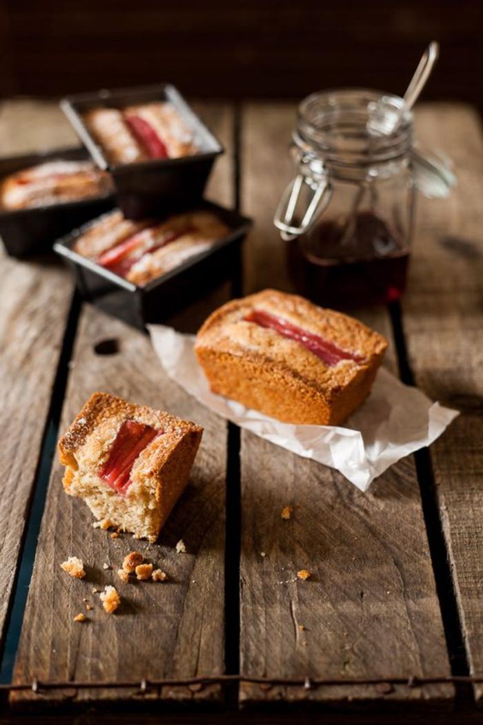 recette avec des chataignes sans gluten, de petits cakes à mix de farines et à la rhubarbe