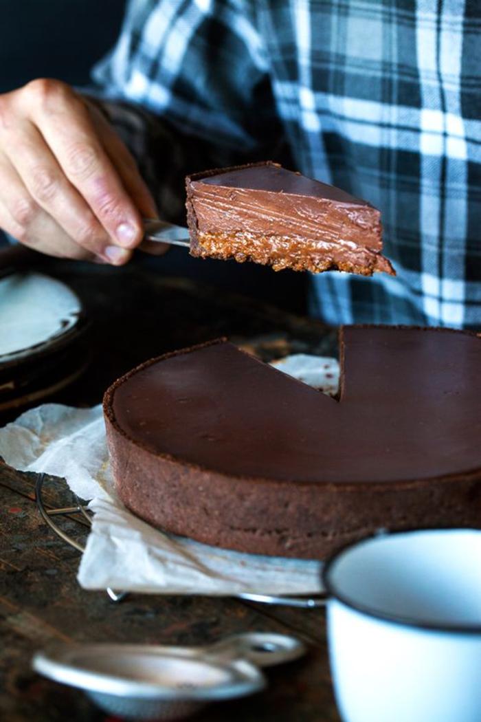 recette de tarte sans gluten à la farine de sarrasin de couche de caramel, ganache au chocolat et crème de marron, recette avec chataigne savoureuse