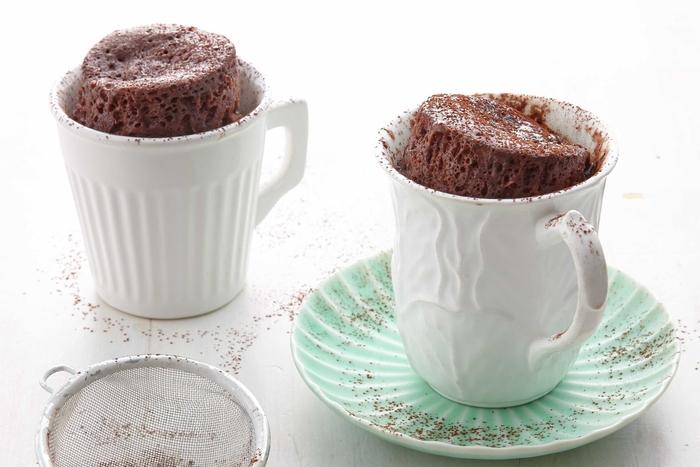 recette de gateau minute au chocolat ultra moelleux et facile à préparer au micro-ondes