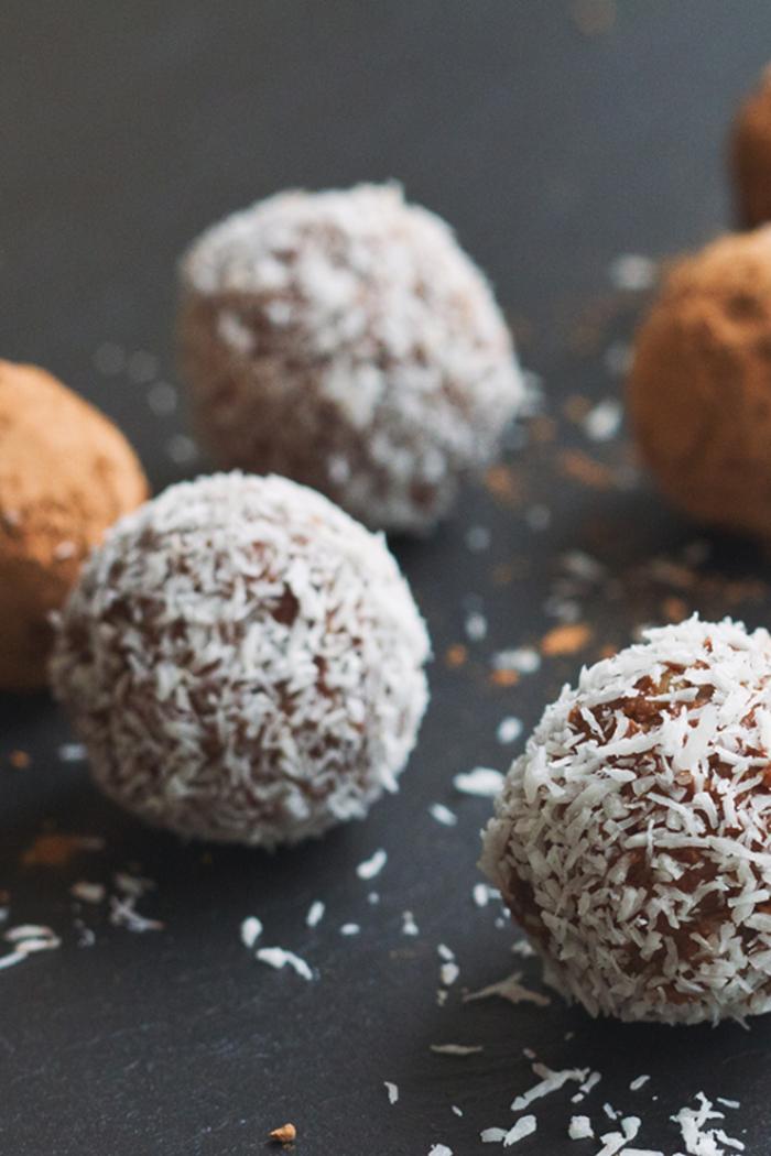 truffes à la crème de marrons et à la noix de coco râpée, recette avec chataigne pour un dessert savoureux et diététique