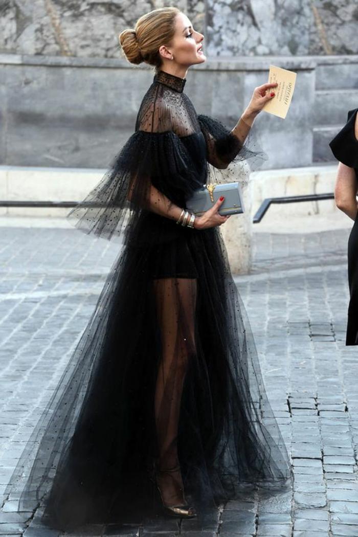 robe dentelle, robe en tulle noire, manches élégantes, coiffure chignon, jupe évasée