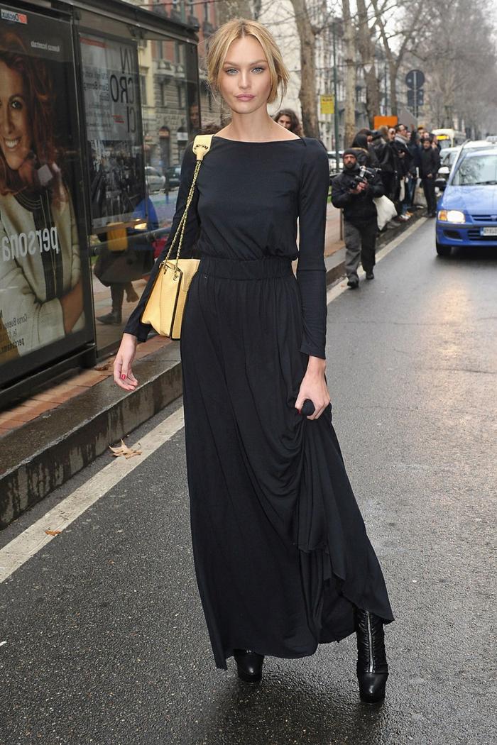 robe longue été, sac jaune, bottes noires, chignon bas, robe fluide élégante casual