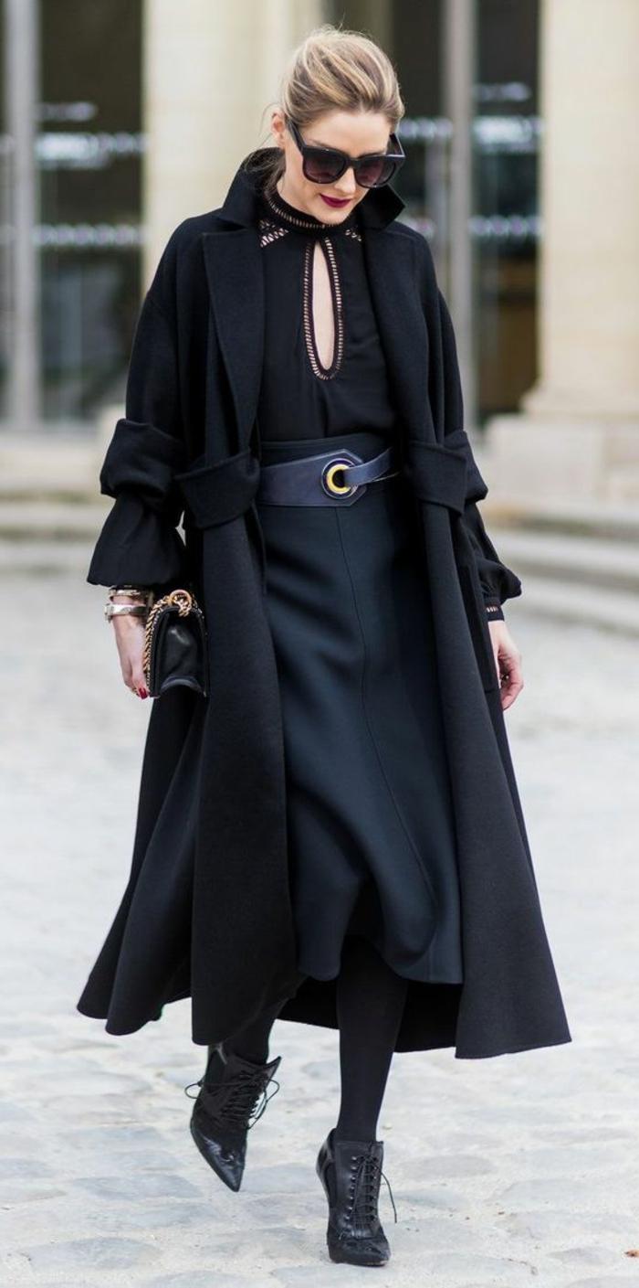 robe longue fluide, robe d'automne noire, manteau long, lunettes de soleil