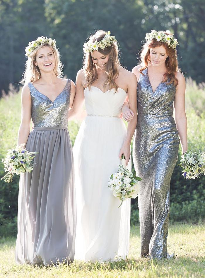 un mariage élégant sur thème glamour, des robes de cérémonie grises à paillettes et à col v