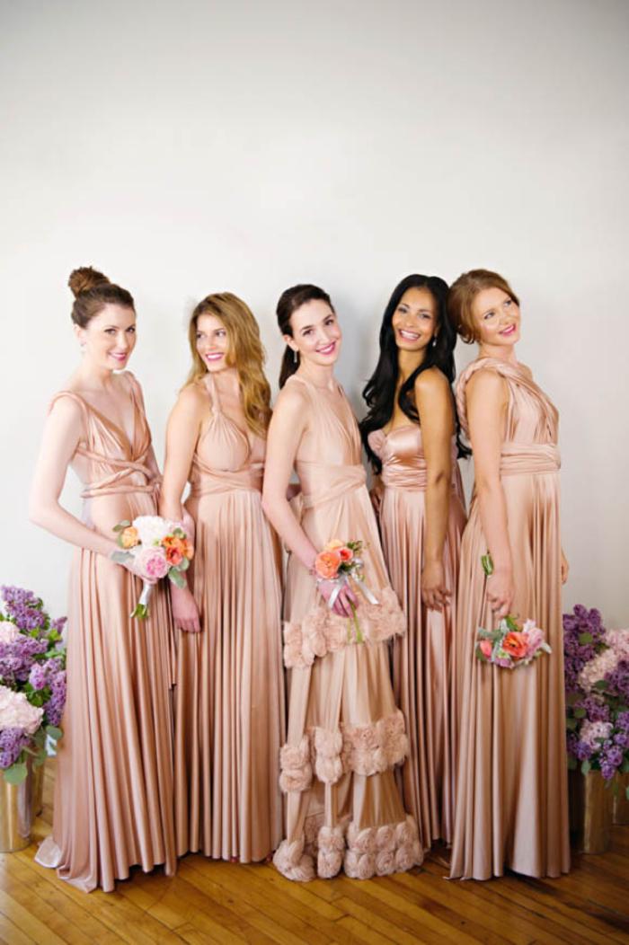 des robes convertibles en satin pour une vision d ensemble élégante du cortège nuptial