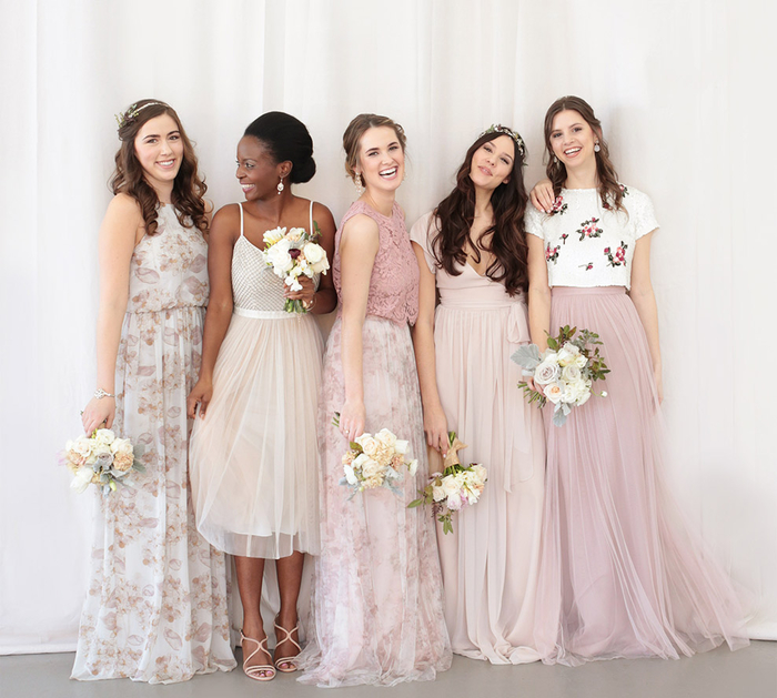 des robes de cérémonies uniques pour mettre en valeur la personnalité et les formes de chaque fille d'honneur