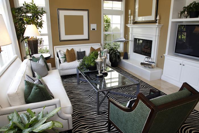 murs de salon taupe marron style kaki et blanc