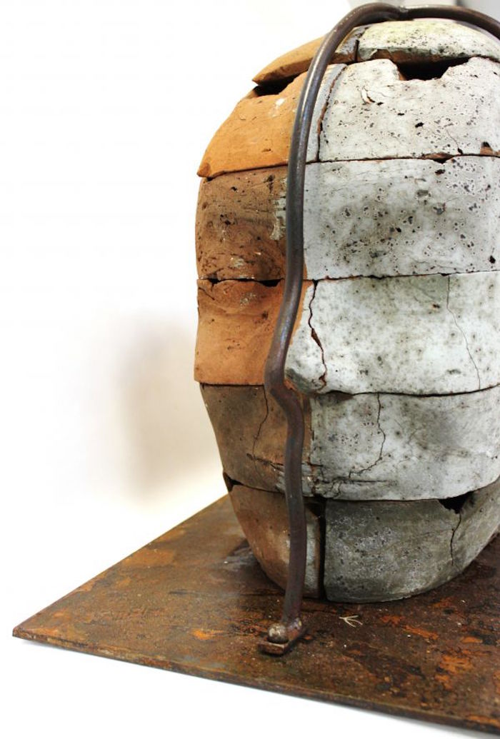 sculpture contemporaine en brique perpective III 3 Shivashtie Poonwassie