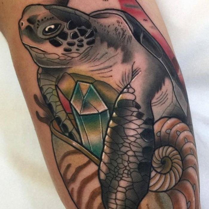 signification tatouage, tortue géante tatouée sur la peau, design fantastique
