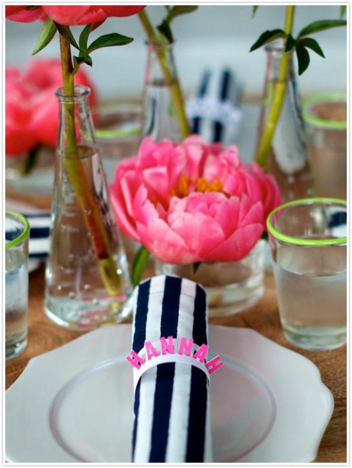 Votre nom de table mariage etiquette de table idée déco fête simple déco avec pivoines