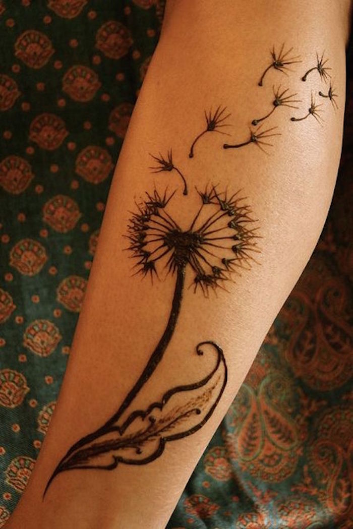 tatouage fleurs sur l avant bras tattoo henne de pissenlit