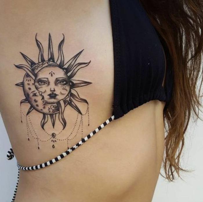 tatouage soleil, accolade entre la lune et le soleil, joli desgin de tatouage céleste