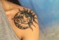 Le tatouage lune et soleil et la danse éternelle des oppositions
