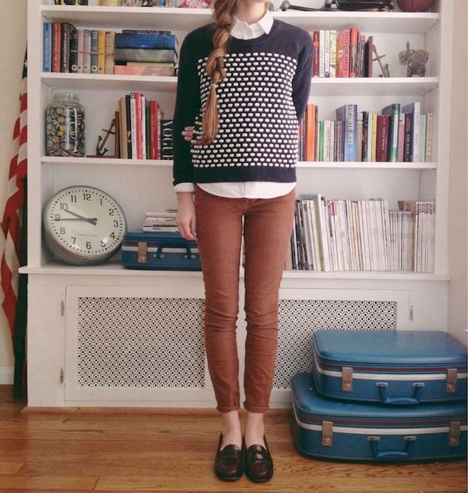 tenue mode hipster sage fille pantalon slim mocassins tendance