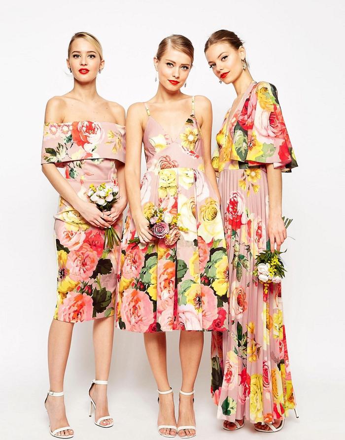 la tendance florale adoptée par la mode nuptiale, vision chic de dame d honneur en robe florale