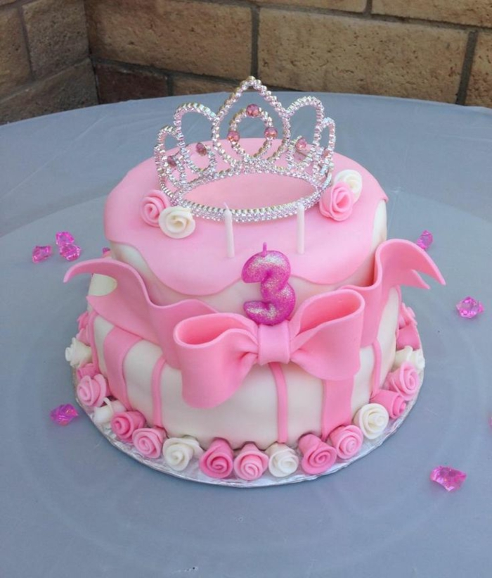 Recette gateau chateau fort gateau d anniversaire princesse couronne gateau rose et blanc
