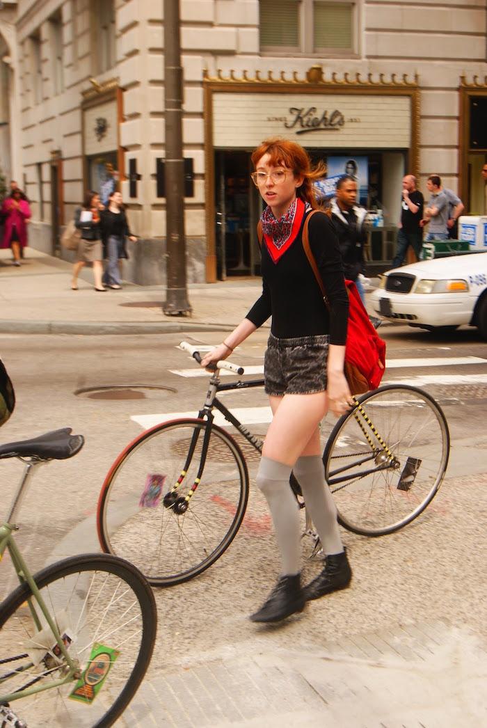 tenue vélo fixie femme hipster vintage vetements new york