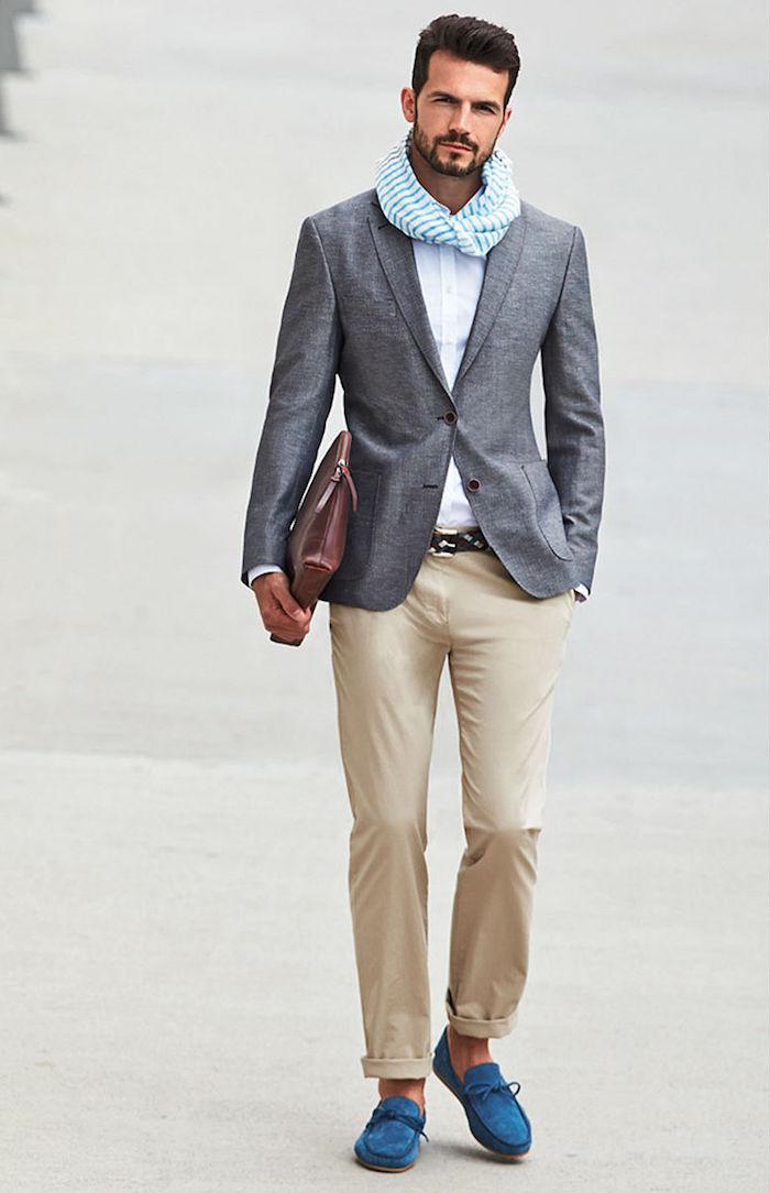 costume homme, tenue professionnel d'esprit casual pour homme, pantalon beige et ceinture noire
