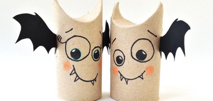 activités manuelles maternelle, bricolage halloween abec rouleau de papier toilette, chauve souris dessin et ailes en papier noires