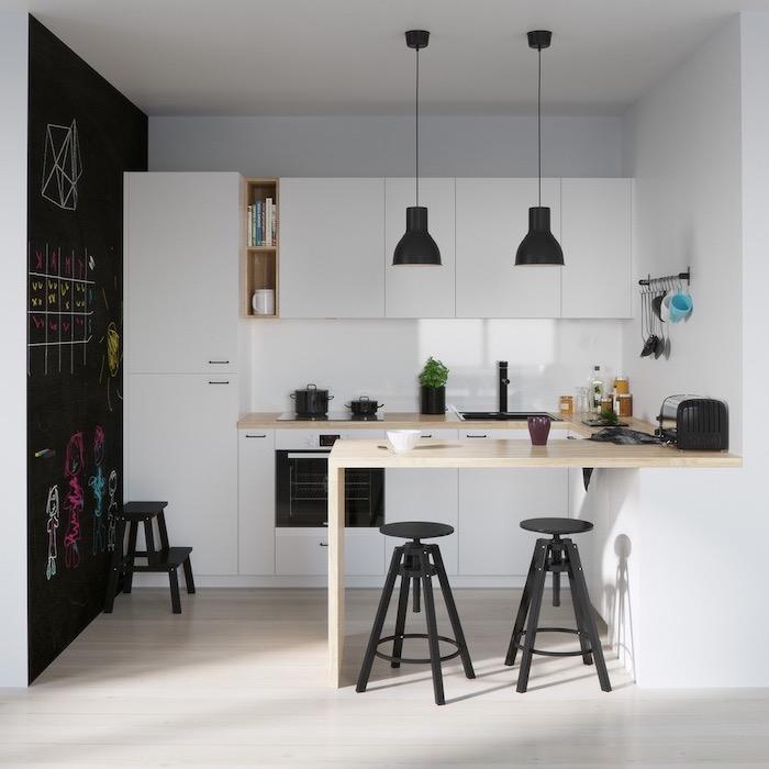 modele de cuisine, revêtement de sol en bois clair, comptoir en bois au centre de cuisine avec tabourets noirs