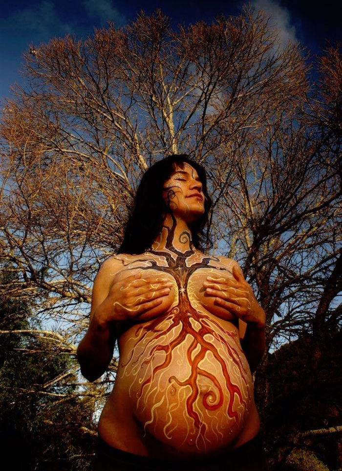idee body painting femme enceinte theme nature