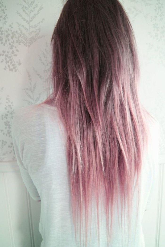 modele fille grunge cheveux longs roses