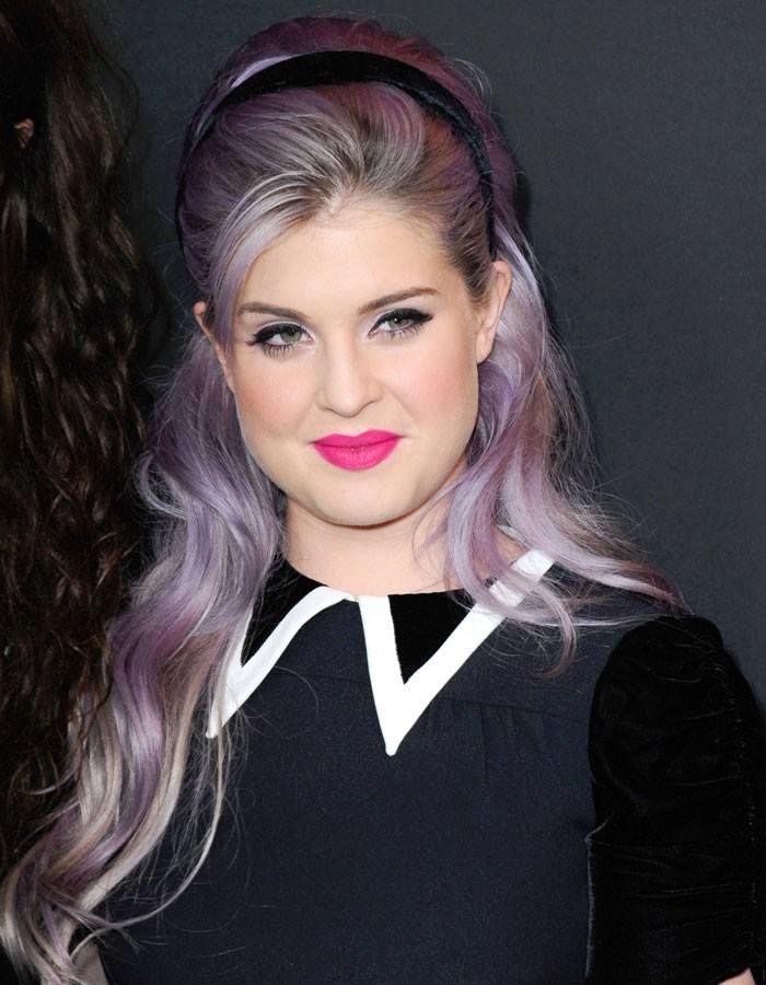 coiffure style rock grunge cheveux violet lavande
