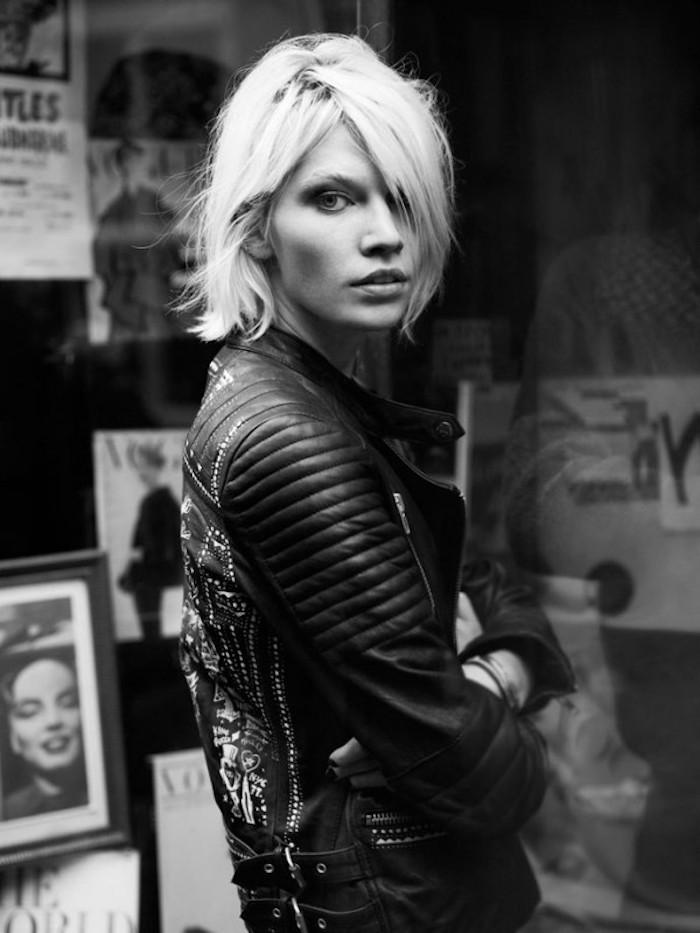 tenue grunge et coiffure rock femme blonde