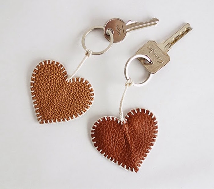 creation porte clef en cuir fait main diy