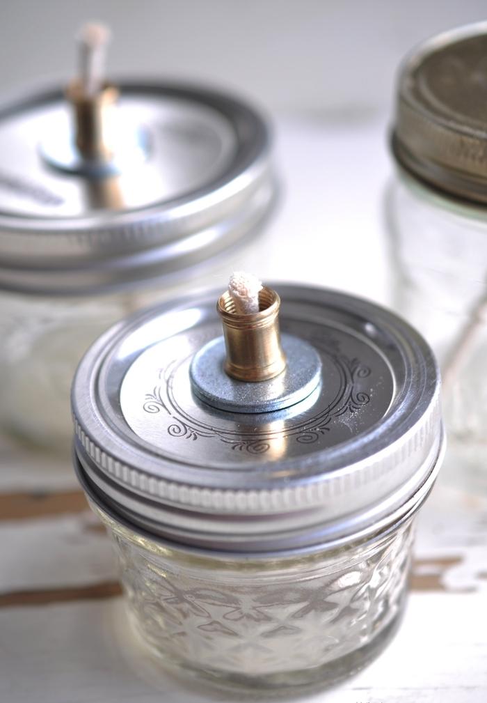 des bocaux en verre recyclés et transformer en lampes à huile vintage, tuto facile et rapide de montage d une lampe à huile vintage