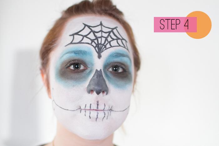 tuto pour réaliser un maquillage mexicain femme simple et rapide inspiré des masques du jour des morts