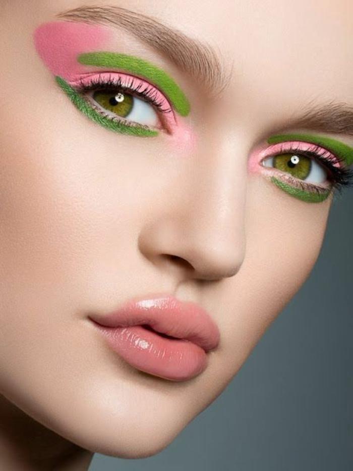 maquillage yeux verts en vert pastel et en rose pastel avec des lèvres en gloss neutral