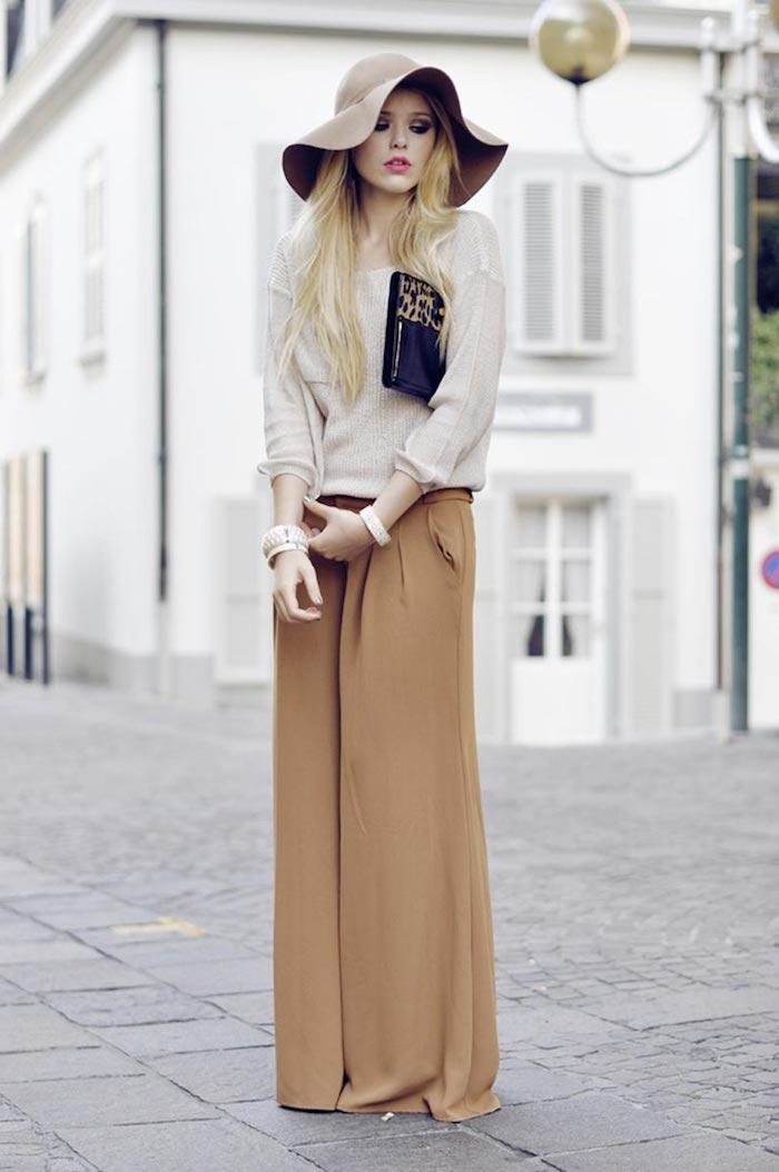 1001 tenues inspirantes pour savoir que mettre avec un pantalon beige. Black Bedroom Furniture Sets. Home Design Ideas