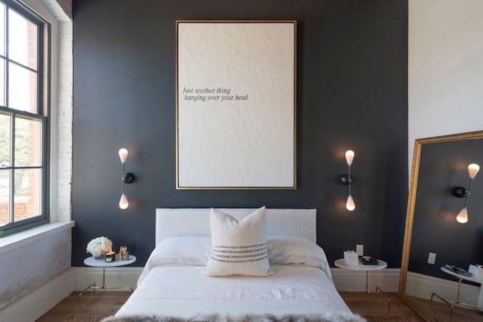 meuble chambre enfant, petite table de chevet en blanc et or, bouquet de roses blanches