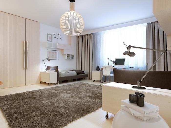 chambre ado en nuances neutres, tapis moelleux en marron foncé, rideaux longs en nuance beige
