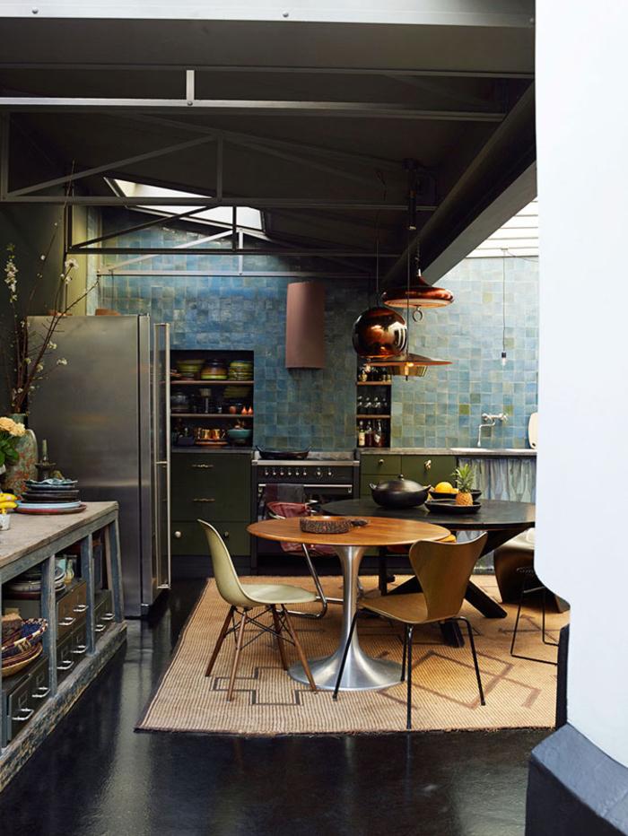 esthétique sobre d'une cuisine style industriel au design open space