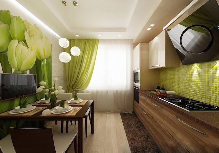 agencement cuisine, crédence à design mosaïque vert, revetement de sol en bois clair et petit tapis rectangulaire en faux fur
