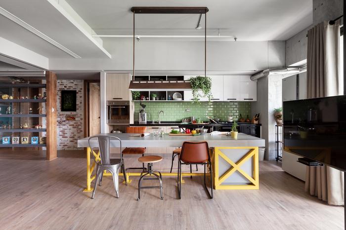 deco cuisine bois clair la cuisine en bois massif en. Black Bedroom Furniture Sets. Home Design Ideas