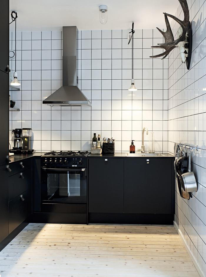 cuisine moderne associant l'ambiance scandinave à l'esthétique industrielle