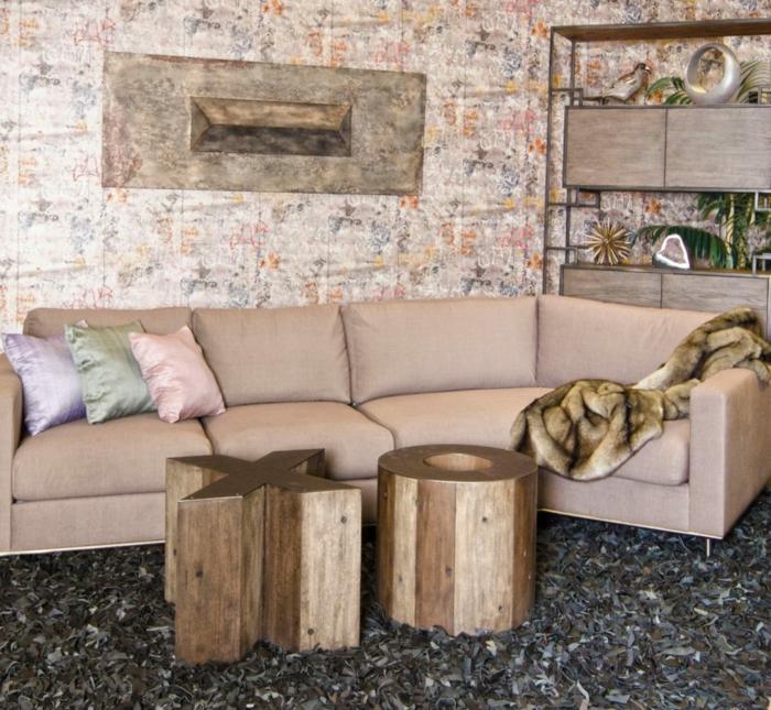 déco salon cocooning, tapis moelleux, tables tronc de bois, sofa couleur crème, buffet industriel
