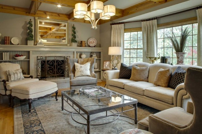 deco salon moderne, table en verre et fer forgé, plafonnier beige, sofa beige, fenêtres du plafond au sol