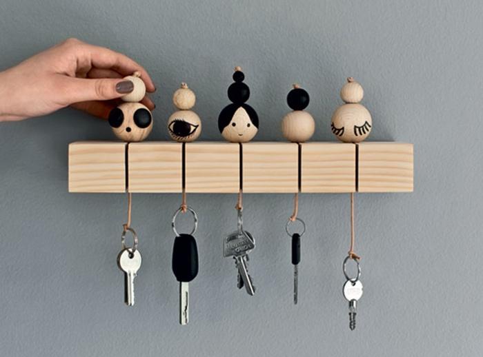 idée cadeau porte clef original en bois mural support