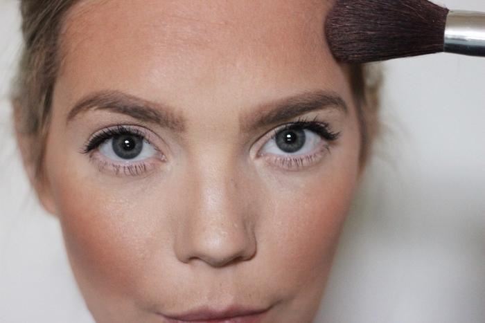 look impressionnant inspiré des filtres snapchat avec un maquillage halloween femme aux nuances bronzées