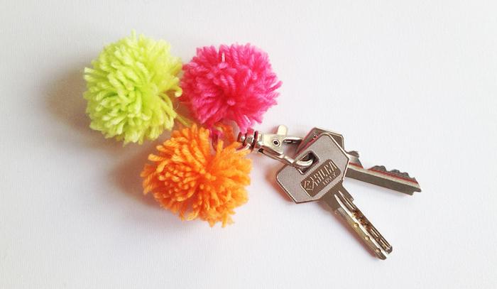 petit porte clefs en laine diy couleurs