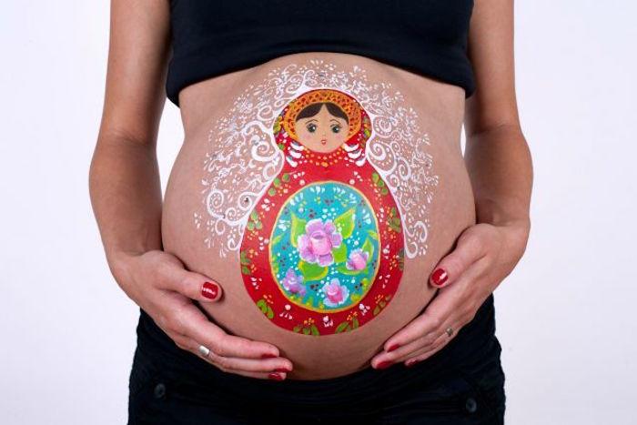 idée peinture sur ventre thème poupée russe
