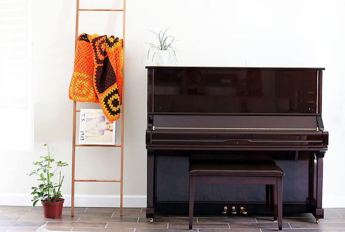 1001 tutos et id es pour fabriquer ou customiser une chelle d corative. Black Bedroom Furniture Sets. Home Design Ideas