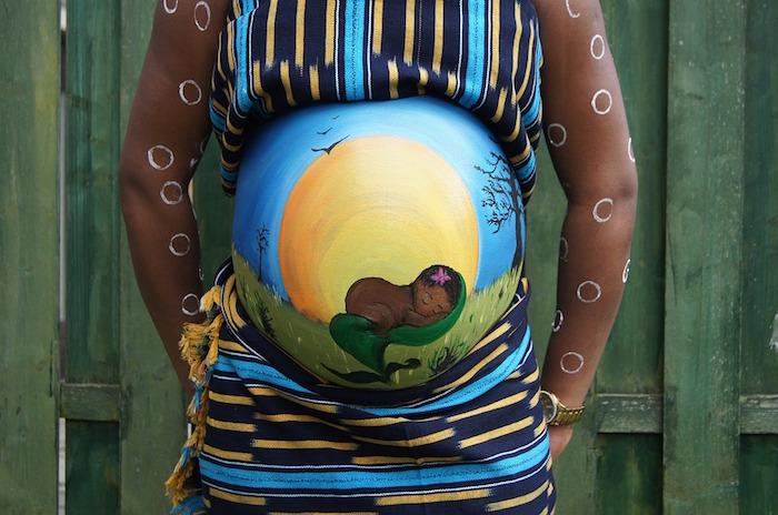 peinture ventre femme africaine idée thème body paint