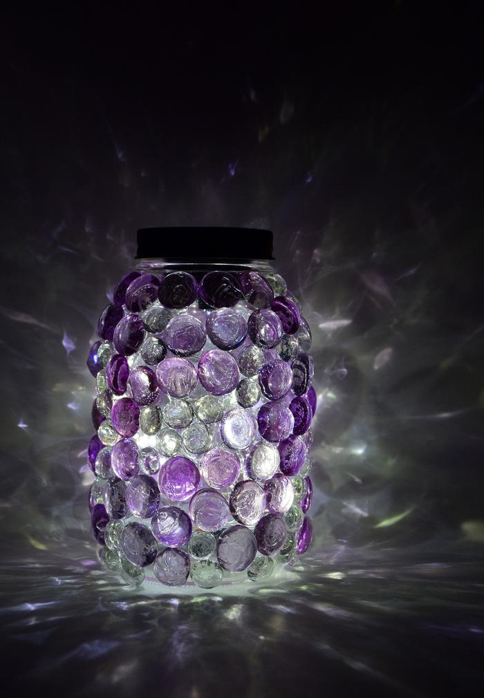 tuto pour réaliser un bocal le parfait en verre lumineux décoré de fausses gemmes en verre coloré
